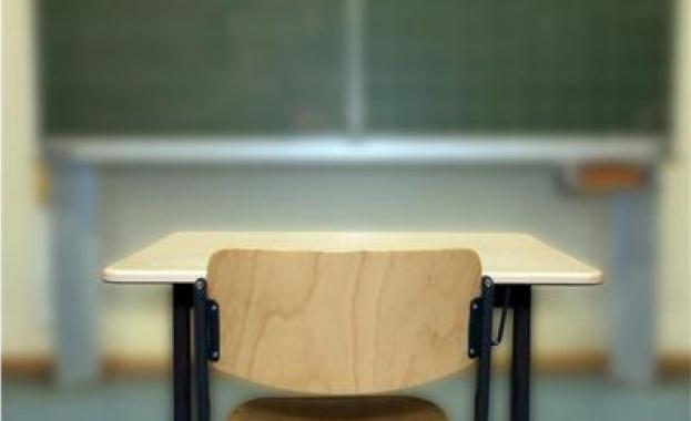 ученически чин, училище, ученици, класна стая, клас