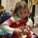 7-годишно момиченце забива по-добре от Слаш