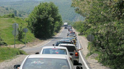 трафик на коли, колона на коли