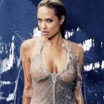Анджелина Джоли си отряза и двете гърди