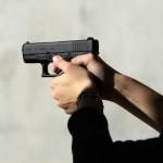 И това доживяхме: Футболист извади пистолет на български мач!