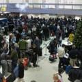 пътници, чакащи, аерогара, летище