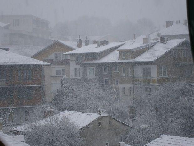 Заваля първият сняг в България. Видин, Монтана, Враца са покрити със сняг