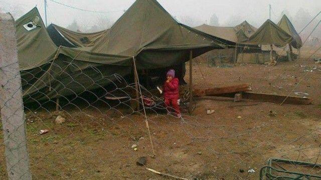 Палатки изгоряха в бежанския лагер в Харманли
