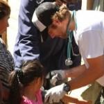 Огромно сърце! Пол Уокър е помагал на бедстващите по света!  (вижте кадри от добрите му дела!)