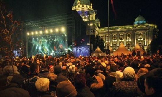 Ракета се врязва в публиката на концерт на Цеца Величкович