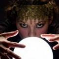 Ясновидка, врачка, кристално кълбо, ясновидец, маг, магьосник