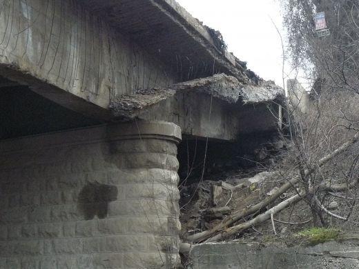Части от мост край Плевен се срутиха в река Вит
