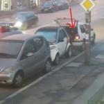 Човек си прибра капак на шахта на улица в София (ВИДЕО)