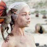 """Денерис от """"Игра на тронове"""" – най-желана жена за 2014 г. (ВИДЕО)"""