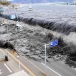 Вдовец на жена, загробена от цунами, разплака Япония