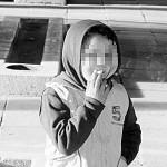 Снимка на 7-годишен с цигара взриви нета