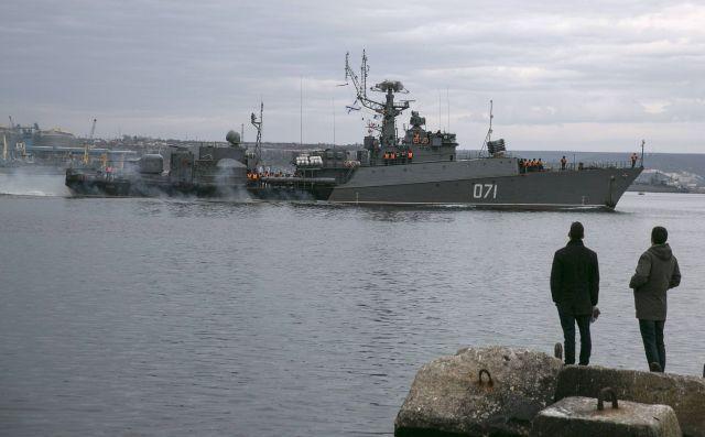 Руски войни кораби в Севастопол, снимка: REUTERS