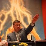 """Вижте лидера на украинската """"Свобода"""" като Хитлер"""