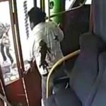 Разстреляха баща и син в автобус заради 12 бона (ВИДЕО 18+)