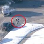 Луда полицейска гонка на миниван с 4-годишно момче в него (ВИДЕО)