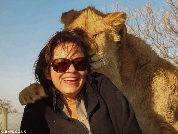 жена с лъв
