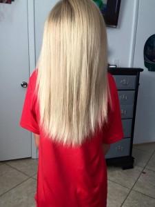 момче с дълга коса