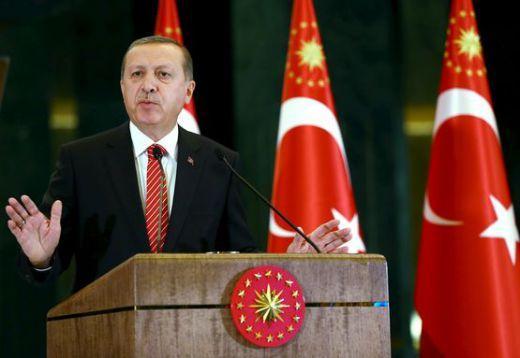 Турция е изпратила 15 хилядна армия, артилерия и танкове на сирийската граница