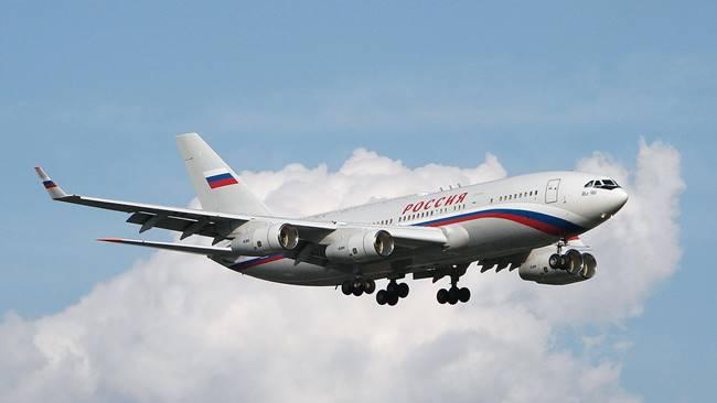 Самолетът ИЛ-96-300ПУ, на който лети Путин. Снимка: Wikimedia